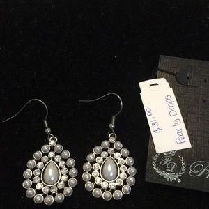 NWT Pearly Drop earrings